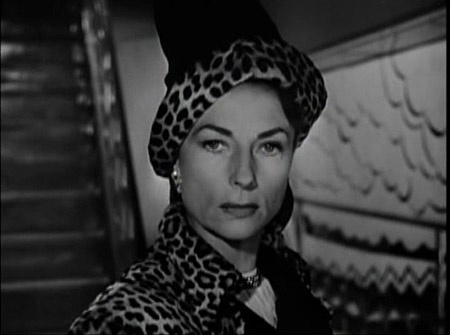 Agnes Moorehead's entrance in Dark Passage.  You're welcome.